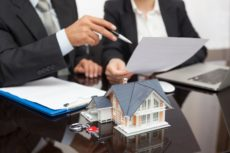 юрист при сделках с недвижимостью